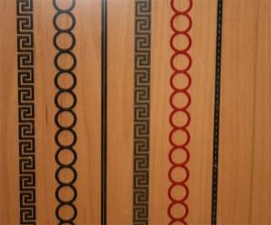 Puerta con greca serigrafiada de Carpinteria y Puertas Miansa