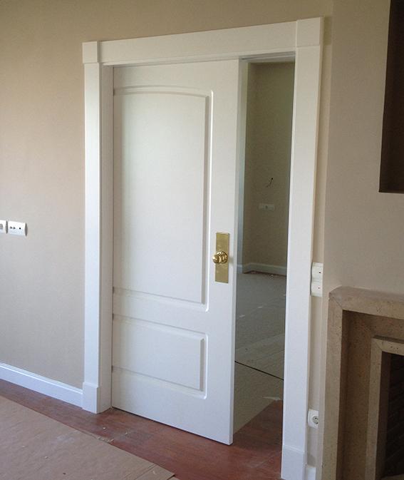 Puertas lacadas blancas decoraci n puertas miansa page 2 for Puertas macizas blancas