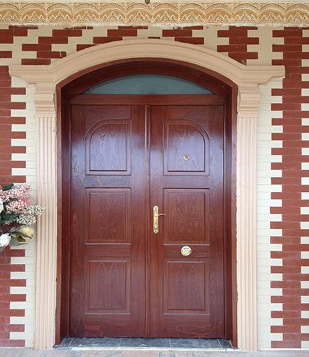 Puertas madera decoraci n puertas miansa for Puertas de madera para entrada principal de casa