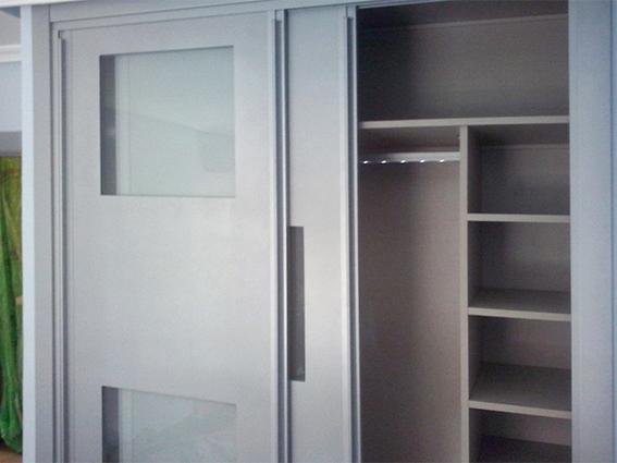 Interior de armario retroiluminado de Miansa