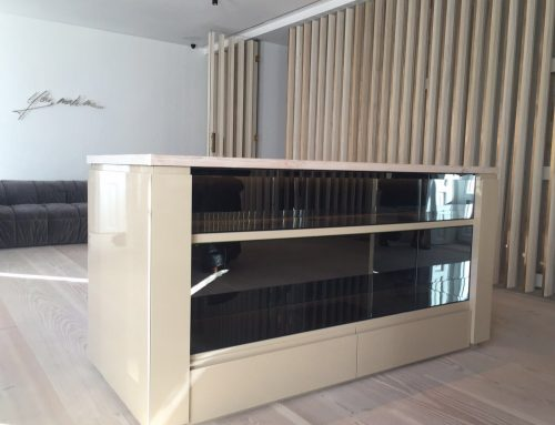 Mueble personalizado para salón americano